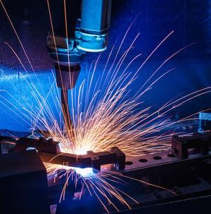robot industriel qui soude
