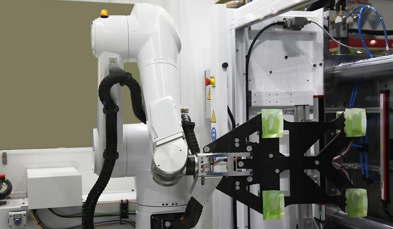 fabrication pièces plastiques avec un robot